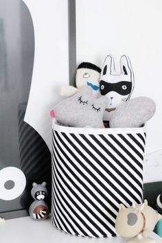 chambre-enfant-scandinave-noir-et-blanc-2318