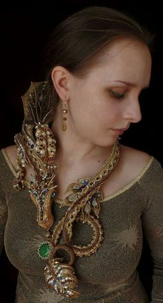 Dragon by Olesya Brutova Seed Bead Jewelry, Jewelry Art, Beaded Jewelry, Beaded Necklace, Beaded Bracelets, Necklaces, Unique Jewelry, Bead Embroidery Jewelry, Beaded Embroidery