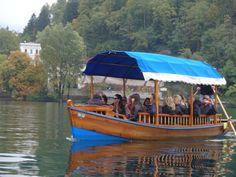 Barco que nos transportou ao castelo no lago Bled-Eslovênia