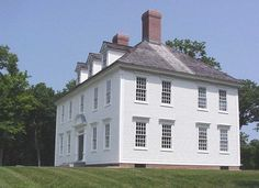 Custom Colonial Home design plans and management. Historic New England, New England Homes, Historic Homes, Southern Plantation Homes, Southern Plantations, Colonial Exterior, Exterior Trim, Greek Revival Home, Country Houses