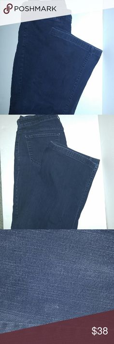 NYDJ womens size 16w dark wash jeans NYDJ darkwash size 16w with 29 inseam wide leg jeans. 4 pockets 2 of the on the front are more for looks. EUC except for a very small snag. See pictures Jeans Flare & Wide Leg