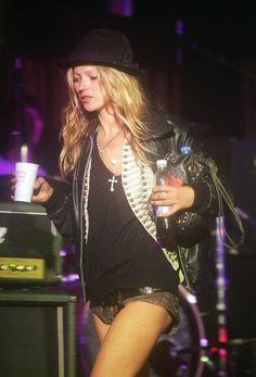 Les looks de Kate Moss au festival de Glastonbury, rock, chapeau, cuir, bijoux