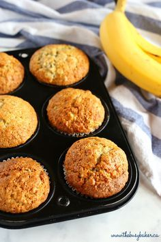 These Best Ever Banana Muffins are the best banana - Fruity Pebbles Rice Crispy Treats Cupcakes Banana Bread Recipes, Muffin Recipes, Healthy Banana Recipes, Healthy Cupcakes, Healthy Banana Muffins, Best Banana Muffins Ever, Banana Oatmeal Muffins, Vegan Muffins, Banana Chocolate Chip Muffins