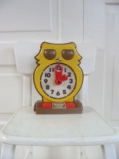 Vintage Owl Telling Time Toy Answer Clock Tomy Hong Kong Child by vintagejane on Etsy https://www.etsy.com/listing/237207134/vintage-owl-telling-time-toy-answer