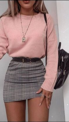 Plaid Skirt With Pink Sweater ★ Cute casual back to school outfits for teens, highschool and for college, to make your first day of school unforgettable! ★ Source by delicateandlayered outfits for teens Casual Fall Outfits, Winter Fashion Outfits, Retro Outfits, Girly Outfits, Outfits For Teens, Look Fashion, Stylish Outfits, Outfits Hipster, 6th Form Outfits