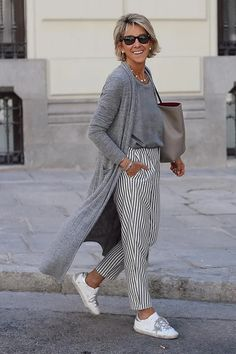 Over 60 Fashion, Over 50 Womens Fashion, 50 Fashion, Look Fashion, Fashion Outfits, Stylish Outfits For Women Over 50, Casual Fall Outfits, Clothes For Women, Mode Outfits