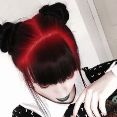 Hair balayage black red 48 ideas Red Hair red and black hair Hair Color For Black Hair, Cool Hair Color, Red Black Hair, Black Bun, Diy Haarfärbemittel, Pelo Emo, Coloured Hair, Dye My Hair, Pretty Hairstyles