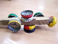 recycling art: New musical instruments from recycled materials Instrument Craft, Making Musical Instruments, Homemade Instruments, Music Instruments, Music For Kids, Art For Kids, 4 Kids, Children, Recycled Crafts