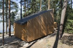 FAM Architekti completed Lake House, a tiny prefab cabin with a slatted larch facade in Czech Republic's Northern Bohemia. Prefab Cabins, Old Cabins, Lake Cabins, Cabins In The Woods, Prefab Homes, Prague, Larch Cladding, Lakeside View, Forest Cabin