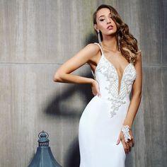 Oui oui! #VictorHarperFloat is here #hyattTimesSquare #hyatt #inhyattworld #vhFLOAT #bride #bridetobe #syttd #bridalgown #weddinggown #bohobride #glam #FloatBride #fashion #BridalShoot #weddingphotography #wedding #inahyattworld #instaglam #instabling #bts  #instaglam #instabling #fashion #BridalShoot #weddingphotography #wedding