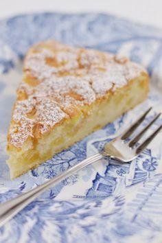 Pura Passione- torta dimmele e yogurt Italian Desserts, Italian Dishes, Italian Recipes, Apple Recipes, Sweet Recipes, Confort Food, Torte Cake, Homemade Yogurt, Great Desserts