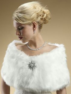 Abrigos de pelo para novias