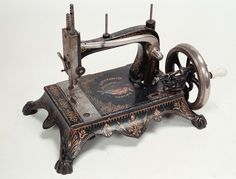 Grover and Baker No 9 Sewing Machine - Yahoo Image Search Results