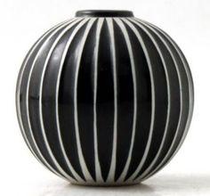 Swedish design by Stig Lindberg fabric Pottery by RandigaTraden - Swedish Decor Slab Pottery, Pottery Vase, Ceramic Pottery, Porcelain Ceramics, Ceramic Bowls, Painted Porcelain, Fine Porcelain, Ceramic Mugs, Painted Vases