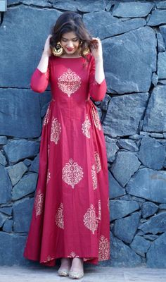 Bollywood Hot Designer Women's Kurtis from Shahjaan's Shop Indian Gowns Dresses, Indian Fashion Dresses, Indian Designer Outfits, Pakistani Dresses, Designer Dresses, Fashion Clothes, Style Fashion, Fashion Wear, Fashion Styles