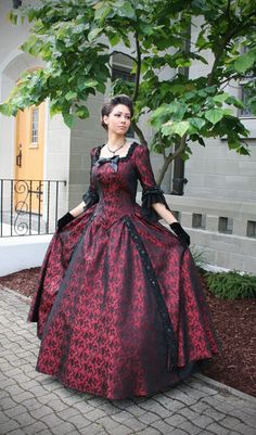 Vanessa Revolutionary Style Gown by Recollections. Party Mode, Vintage Outfits, Vintage Fashion, Civil War Dress, Fantasy Gowns, Gown Photos, Haute Couture Fashion, Historical Costume, Fashion Sale