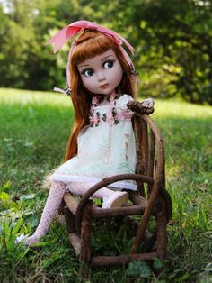 Little Patience (Tonner Doll Co.) deaming of summer again.