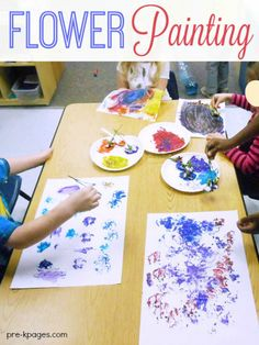 Paint with flowers. Invite kids to use flowers to explore painting for a fun spring experience in preschool, pre-k, and kindergarten. Preschool Garden, Preschool At Home, Preschool Themes, Spring Preschool Theme, April Preschool, Preschool Centers, Preschool Classroom, Preschool Worksheets, Classroom Ideas