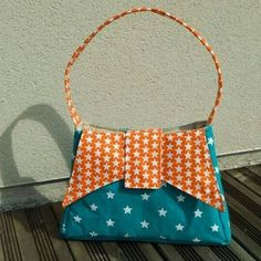 Un #sac Ava cousu par Mag'Créations. Coton étoile turquoise et coton étoiles orange.   Patron de #couture Ava par Sacôtin.
