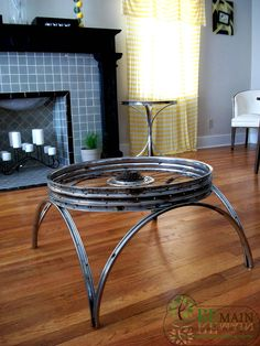 Bicycle art on pinterest bikes bicycles and bicycle wheel for Bicycle wheel table