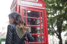 jacket details... Aspettando il nuovo catalogo con Chiara Biasi#shooting #london #chiarabiasi#maisonespin #cool #fashionblogger#womancollection #lovely #MadewithLove #romanticstyle #milano#clothing #shopping #iloveshopping