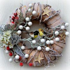 Vánoční+věnec+Ptáčci+25+cm+Elegantní+vánoční+věnec+na+dveře+nebo+do+interieru,+v+moderním+stylu+z+přírodního+materiálu,+umělých+bobulek+ozdobných+komponentů.+Vhodný+do+interiéru+i+exteriéru.+Průměr:+25+cm