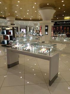 Display showcase, Display cabinet, Jewelry showcase, Watch showcase, Display shelf, display stand, LED showcase lighting, LED spotlights, rotating LED bar, showcase track lighting