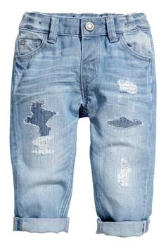 jeans in washed denim with heavily distressed details. Blue Ripped Jeans, Torn Jeans, H&m Jeans, Distressed Denim Jeans, Blue Denim, Baby Jeans, Girls Jeans, Little Boy Fashion, Kids Fashion