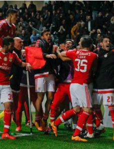Golo do Benfica no Bessa, ao minuto 92. Com este resultado, o Bicampeão soma 67 pontos e reassume a liderança isolada da Liga NOS.