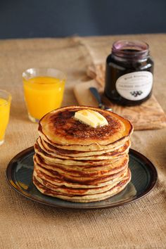 Pancakes with Sour - The one with all the tastes Mille Crepe, Buttermilk Pancakes, Crepes, The One, Breakfast, Sweet, Party, Food, Morning Coffee