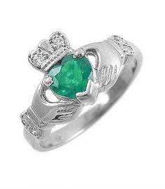 Fallers 1.400.-/Rings 14K Gold Emerald & Diamond Claddagh Ring | Fallers.com Jewelers