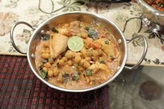 "Looking for Chef Zubaida Tariq Lahori Murgh Cholay Recipe? Try out this Lahori Murgh Cholay Recipe by Chef Zubaida Tariq in cooking show ""Handi""on Masala Tv."