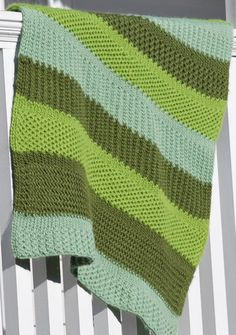 As the earth begins its beautiful change of colors, we can enjoy the green shades with this cozy afghan. Fun to knit in 3 shades … Loom Knitting Projects, Loom Knitting Patterns, Afghan Patterns, Stitch Patterns, Loom Blanket, Afghan Loom, Crochet Hooks, Knit Crochet, Yarn Tail