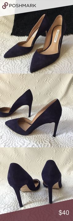 """Dian von Furstenberg Purple Pumps Beautiful Suede Pumps in dark navy/purple. They complete your navy outfit like a pro! I purchased from another posher but unfortunately they are slightly big for me. It says size 6.5 but could fit size 7, I think. I'm in between 6 and 6.5, just for your reference. Heel: 3.5"""", In pristine condition. So sexy!!! Diane Von Furstenberg Shoes Heels"""
