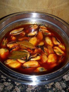 Mejillones en Escabeche (Mussles in Pickle Sauce) Fish Recipes, Seafood Recipes, Cooking Recipes, Spanish Cuisine, Spanish Food, Salty Foods, Fish And Seafood, Food To Make, Food And Drink