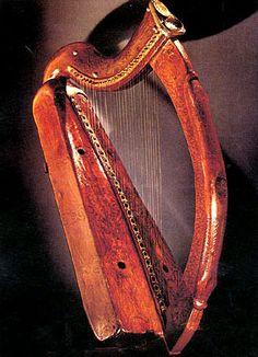 The Brian Boru Harp, Trinity College Library