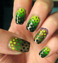 Dotted Green Gradient #Nails #Nailart - bellashoot.com
