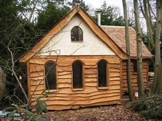 half shake half live edge siding home rustic at DuckDuckGo Wooden Cladding Exterior, Timber Cladding, Wood Siding, Exterior Siding, Interior Exterior, Small Rustic House, Log Cabin Sheds, Oak Framed Buildings, Natural Homes