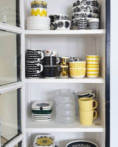 A Shelf, Shelves, Interior Styling, Interior Design, Kitchenware, Tableware, Japanese Patterns, Marimekko, Floral Patterns