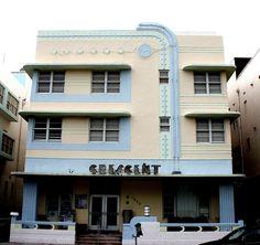 Crescent Hotel, 1420 Ocean Drive, South Beach.    Built: 1938,   Architect: Harry Hohauser.