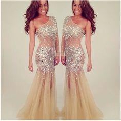 ♥ Espectacular vestido de boda, lo encontrarás en Elan en Febrero de 2015.