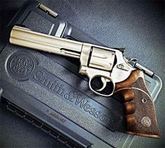 S&W 357 Magnum, Jeep Seats, Smith And Wesson Revolvers, Camo Guns, Hand Cannon, Mens Toys, Custom Guns, Guns And Ammo, Rifles