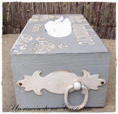 Un rincón de mi: Maravilloso gris, una caja de pañuelos elegante y con clase