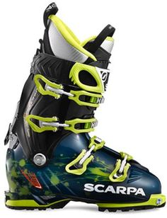 Freedom SL Ski Boots: Created with input from big-mountain ski pioneer Chris Davenport, these stiff boots meld progressive flex with a wide range of cuff motion to create an ideal freeride and Ski Boots, Hiking Boots, Snowboarding, Skiing, Freeride Ski, Skateboard, Boots 2016, Ski Bindings, Fashion Styles