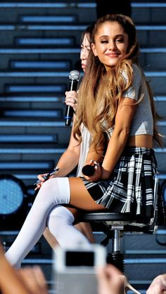 cute lil dangerous woman ♡ Ariana Grande plaid schoolgirl miniskirt and white OTK socks Ariana Grande Photoshoot, Ariana Grande Outfits, Ariana Grande Pictures, Adriana Grande, Elegantes Outfit, Dangerous Woman, Disney Channel, Sexy Hot Girls, Beautiful Celebrities