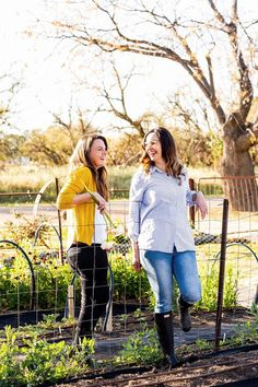 Sophie Kurylowicz and Bethany Saab, the creative duo behind Little Triffids Flowers in Wagga Wagga, NSW Kara Rosenlund, Cut Flower Garden, Painted Cottage, Newly Married, Interior Stylist, Jewellery Storage, Wedding Season, Farms, Planting Flowers
