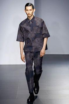 Runway Fashion, Fashion Show, Mens Fashion, Vogue Paris, Men Street Look, Army Coat, Hardy Amies, Gq Men, Dope Outfits