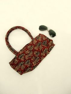 Batwa Purse Making : ... bag. Design to keep your belongings while making a perfect outing