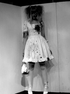 Guro / Horror lolita.