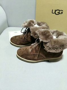 UGG boots雪地靴,please contact WA&Wechat:008613580441057,for more designs and details. Welcome the wholesaler and reseller from globe.